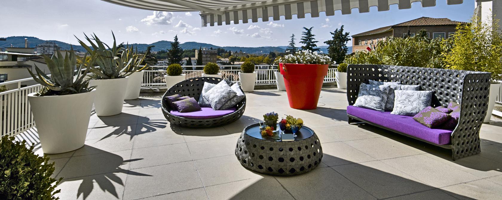 Balcon en terrasse affordable amnagement de balcon et - Amenagement balcon terrasse petit espace ...